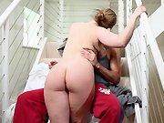 Une femme au foyer se laisse baiser dans…