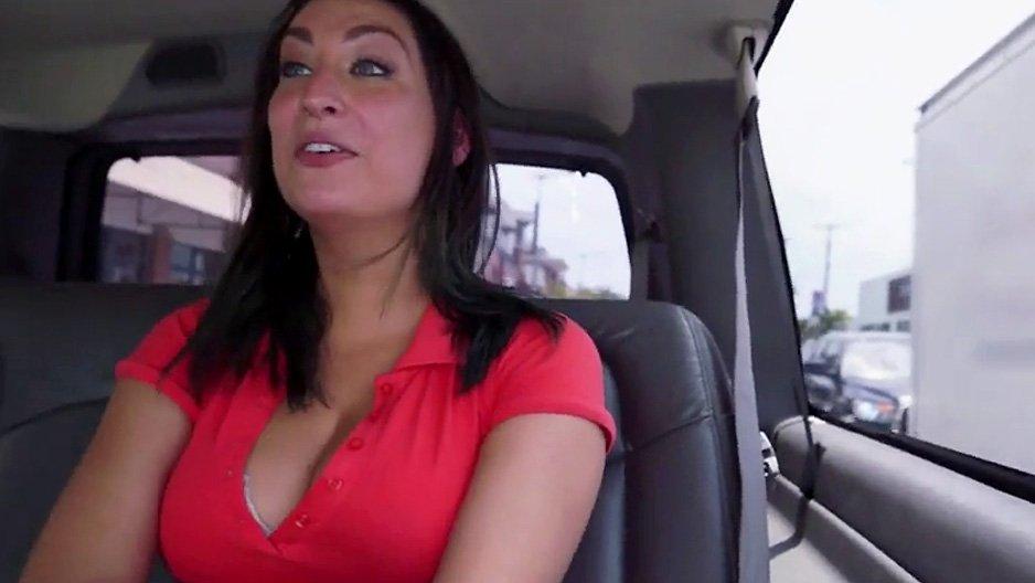 Secretaire sexy amatrice francaise en cam 24 pour les voyeur 2