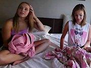 Deux jeunes lesbiennes très chaudes